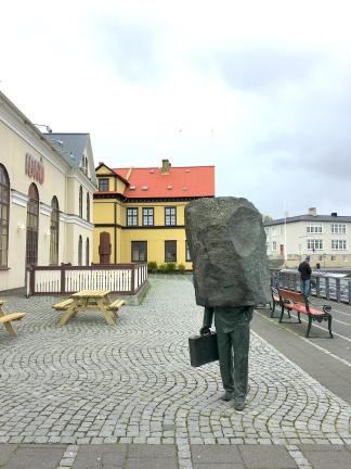 Statute_Reykjavik_Iceland_4410